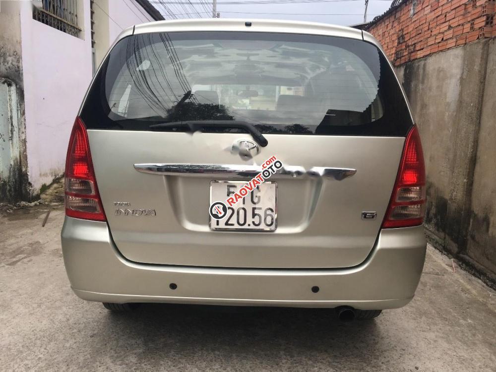 Bán xe Toyota Innova G sản xuất 2006, màu bạc-5