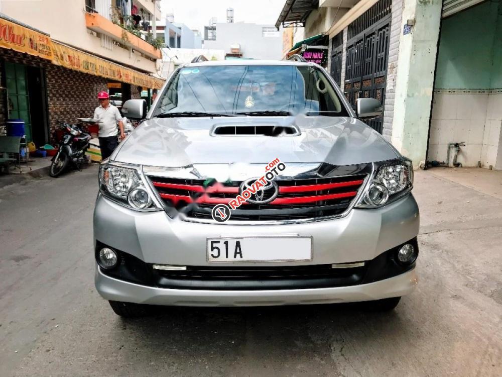 Cần bán lại xe Toyota Fortuner 2.5G năm 2014, màu bạc-0