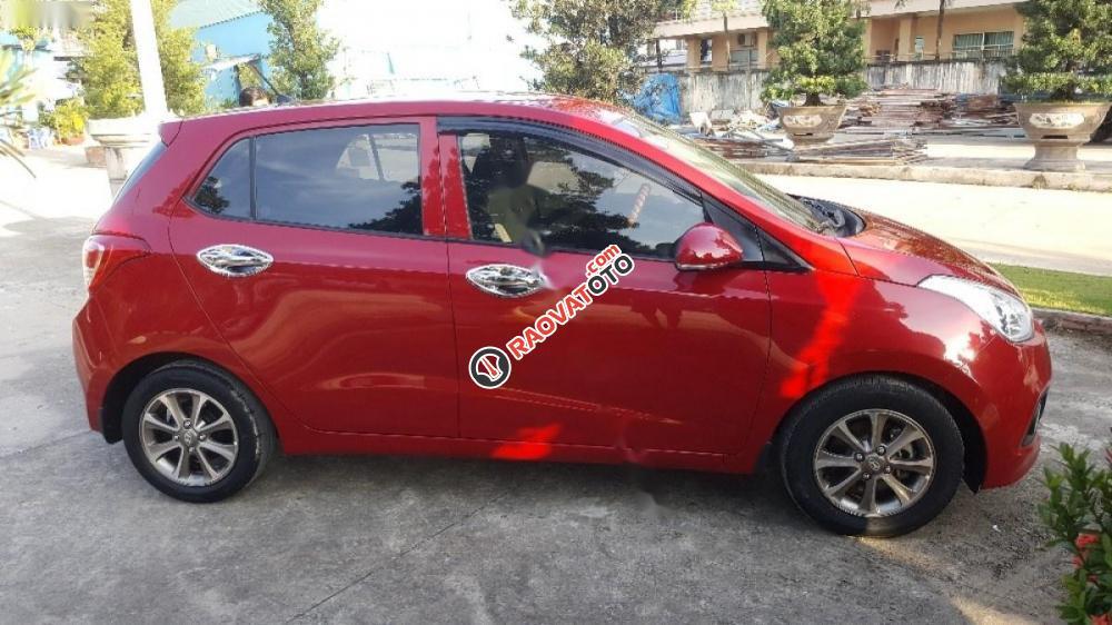 Cần bán lại xe Hyundai Grand i10 1.0 MT năm 2015, màu đỏ, nhập khẩu xe gia đình-1