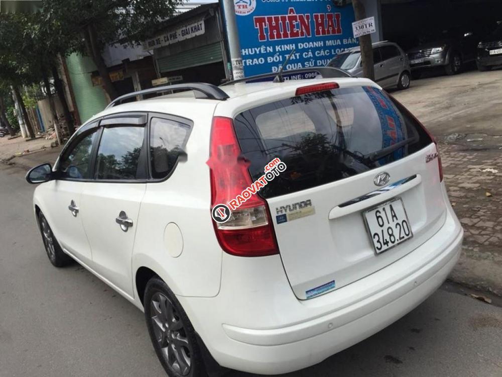 Xe Hyundai i30 CW đời 2011, màu trắng, nhập khẩu nguyên chiếc đẹp như mới giá cạnh tranh-0