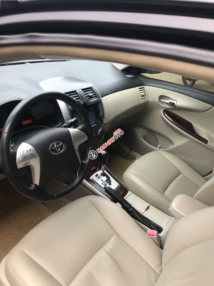 Cần bán Toyota Corolla altis đời 2012, màu đen chính chủ, giá tốt-3