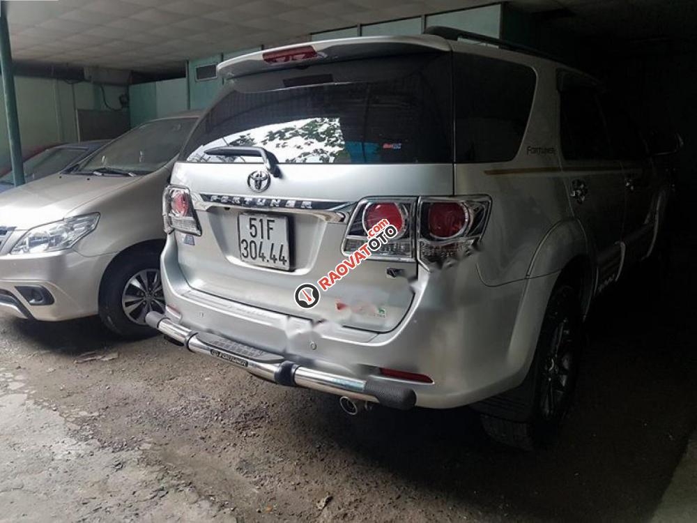 Bán Toyota Fortuner 2.7V 4x4 AT 2015, màu bạc như mới, giá tốt-2