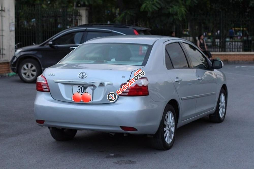 Cần bán Toyota Vios năm 2010, màu bạc chính chủ giá cạnh tranh-4