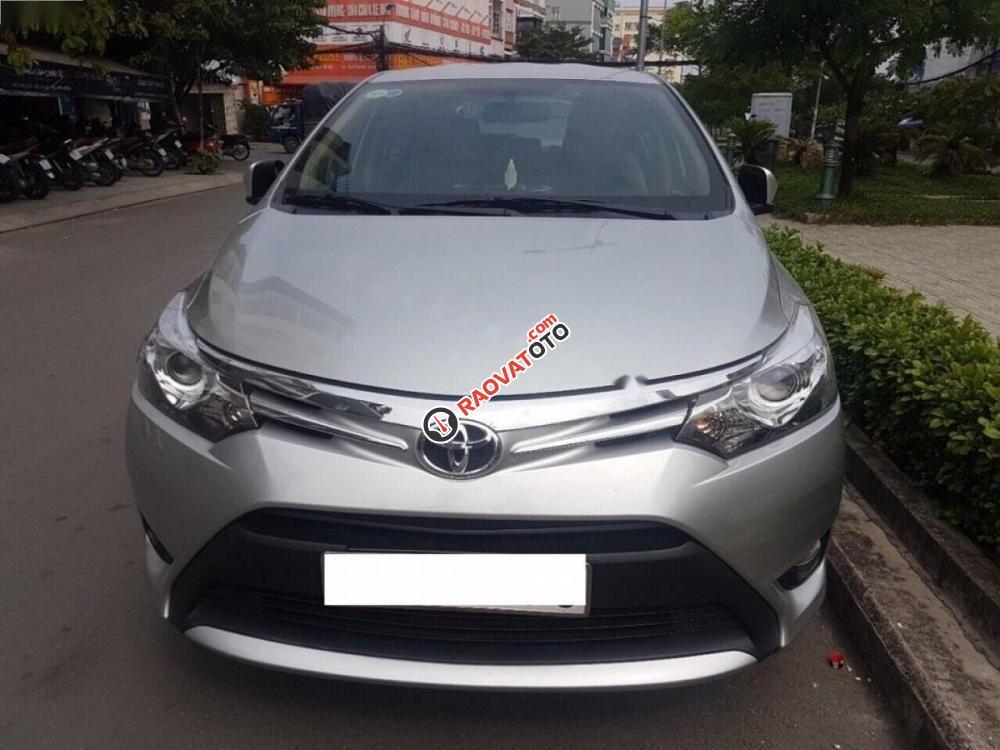 Cần bán Toyota Vios 1.5G đời 2017, màu bạc số tự động, giá 570tr-0