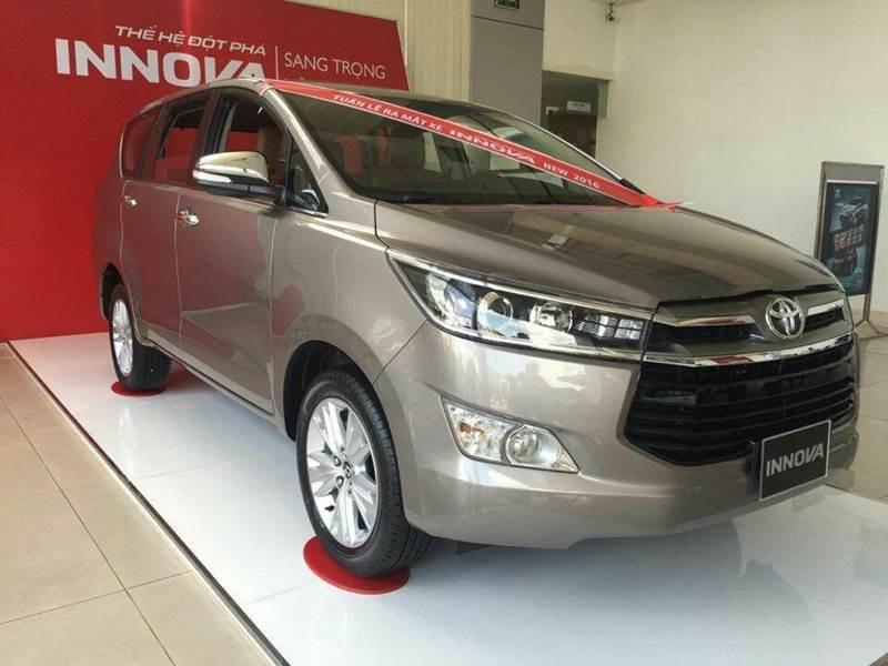 Cần bán Toyota Innova đời 2017, nhập khẩu, giá tốt-2