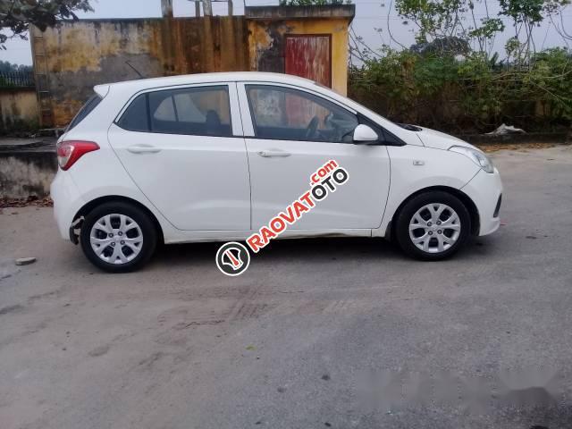 Cần bán xe Hyundai Grand i10 2014, màu trắng, xe nhập chính chủ-2