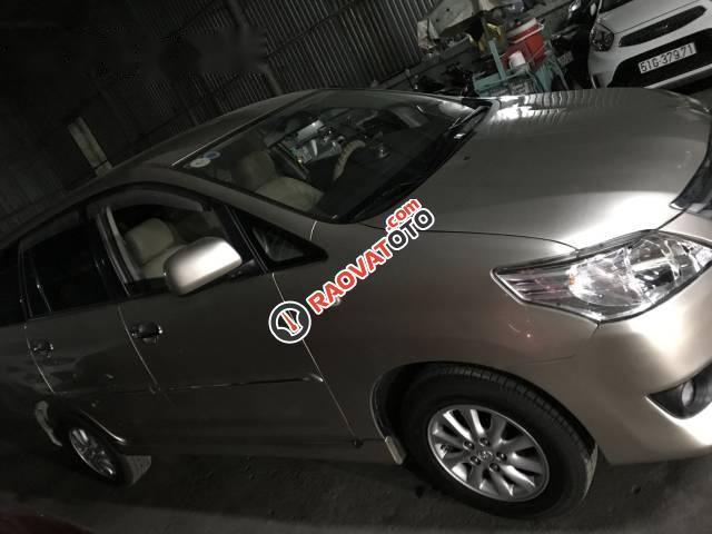 Bán xe Toyota Innova E đời 2013, màu bạc số sàn, giá chỉ 490 triệu-3
