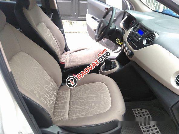 Cần bán lại xe Hyundai Grand i10 đời 2017, màu trắng-3