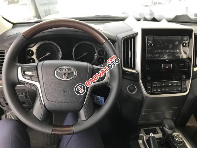 Bán xe Toyota Land Cruiser đời 2017, màu đen, xe nhập-5