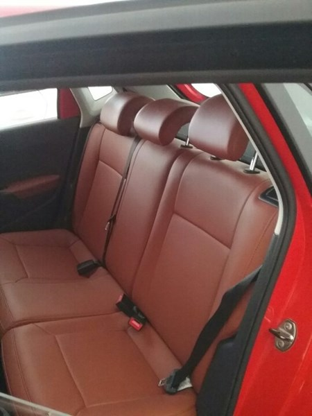 Bán ô tô Volkswagen Polo đời 2015, màu đỏ, xe nhập giá cạnh tranh-3