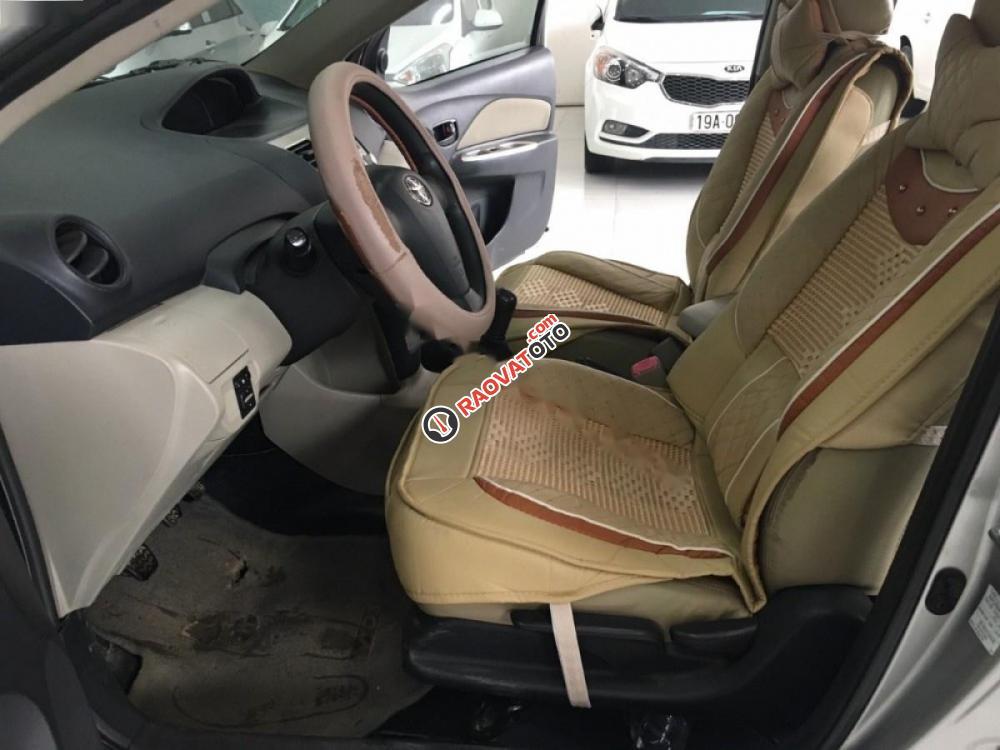 Cần bán gấp Toyota Vios đời 2008, màu bạc, giá 315tr-7