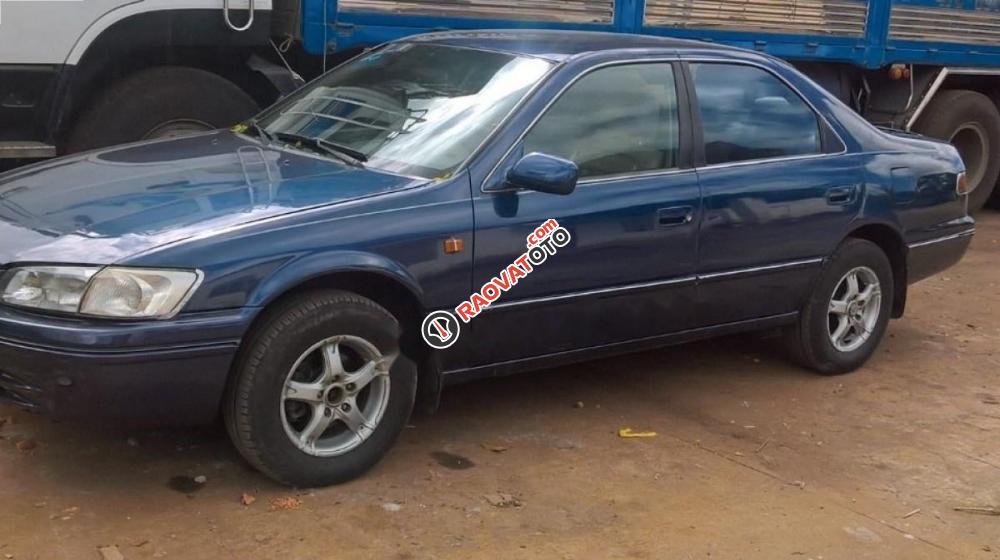 Bán xe Toyota Camry GLi 2.2 năm 1998, màu xanh lam-2