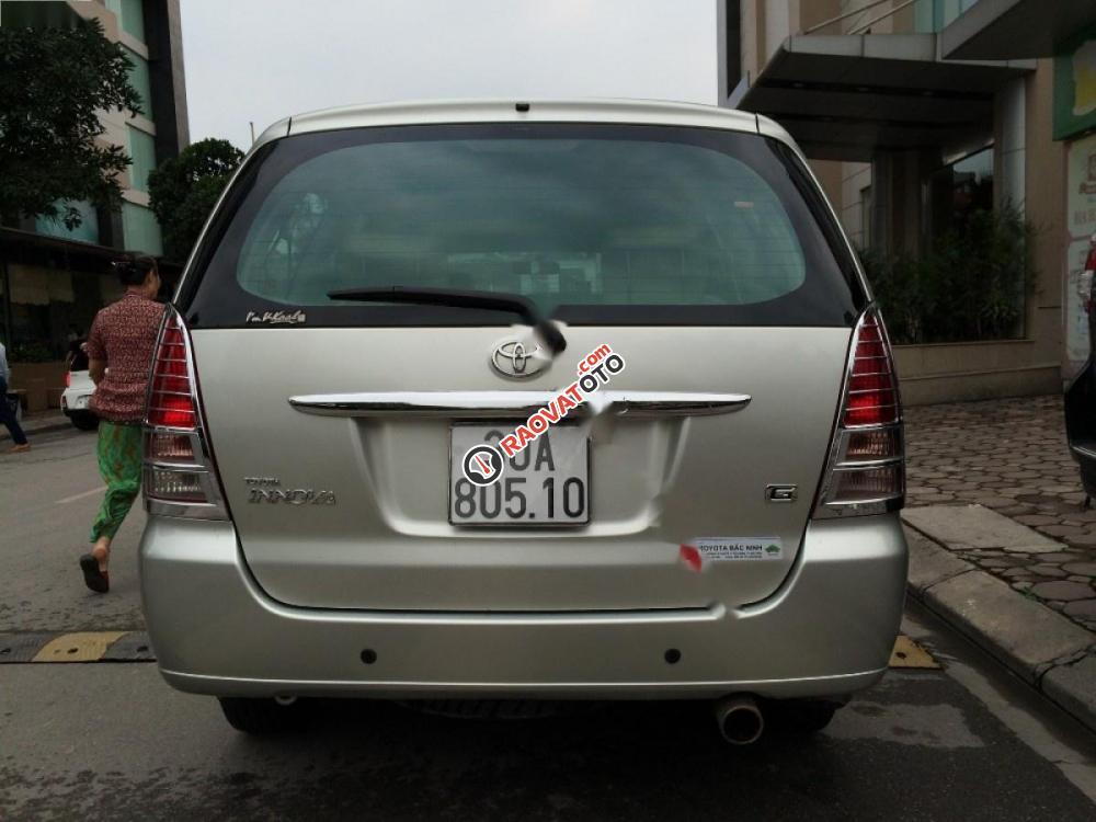 Cần bán xe Toyota Innova đời 2008, màu bạc-6