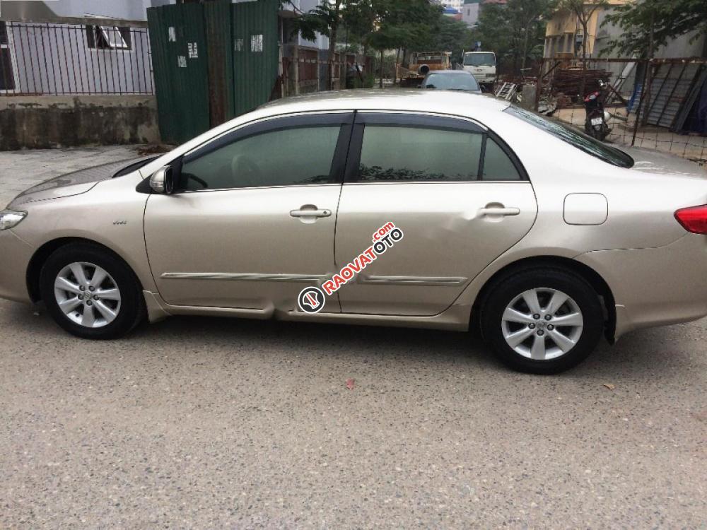 Cần bán Toyota Corolla altis đời 2010 số tự động-2