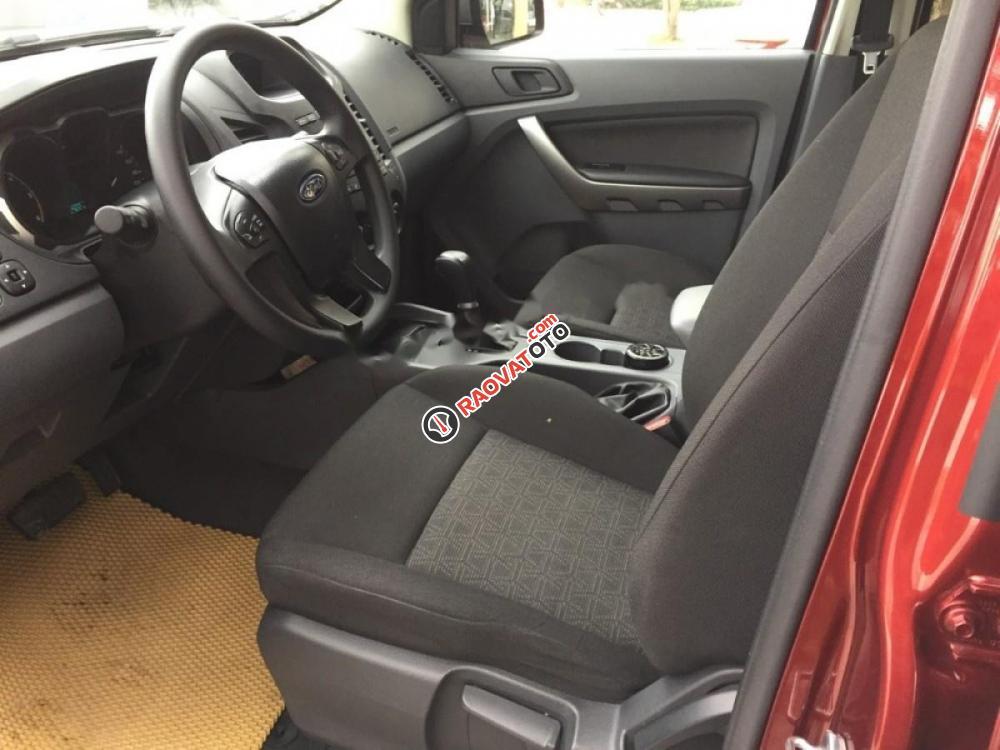 Bán xe Ford Ranger AT đời 2017, màu đỏ, xe nhập, giá chỉ 650 triệu-4