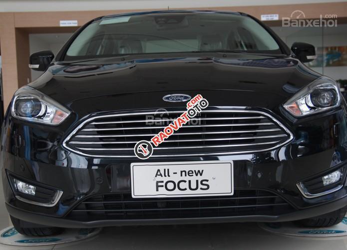 Ford Focus mới sở hữu hệ thống hỗ trợ đỗ, xe tự động, liên hệ trực tiếp để nhận giá tốt nhất tại Ford An Đô-1