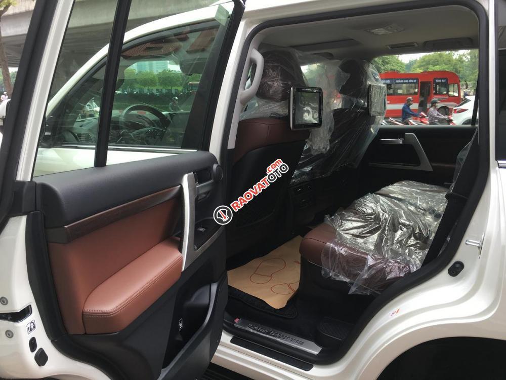 Cần bán Toyota Land Cruiser V8.4.6 bản VXR sản xuất 2018, màu trắng, nhập khẩu nguyên chiếc-8