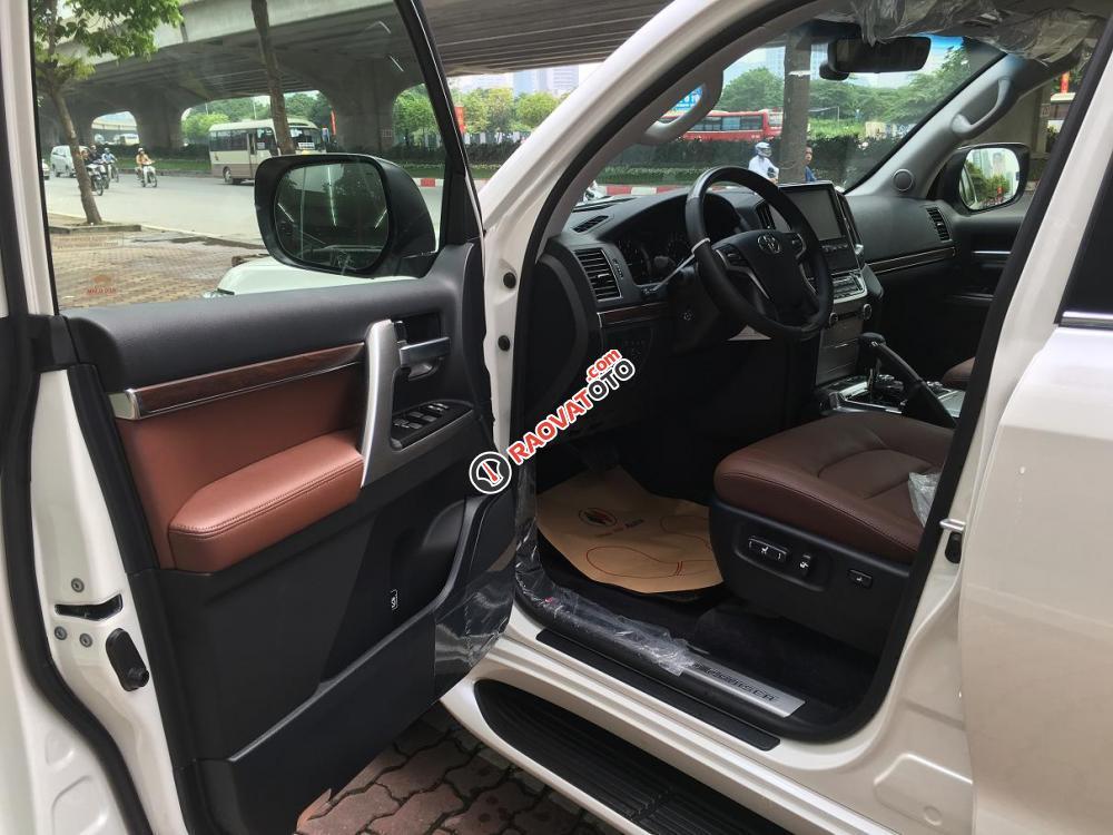 Cần bán Toyota Land Cruiser V8.4.6 bản VXR sản xuất 2018, màu trắng, nhập khẩu nguyên chiếc-7