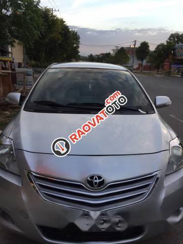Cần bán Toyota Vios 2010, màu bạc-2