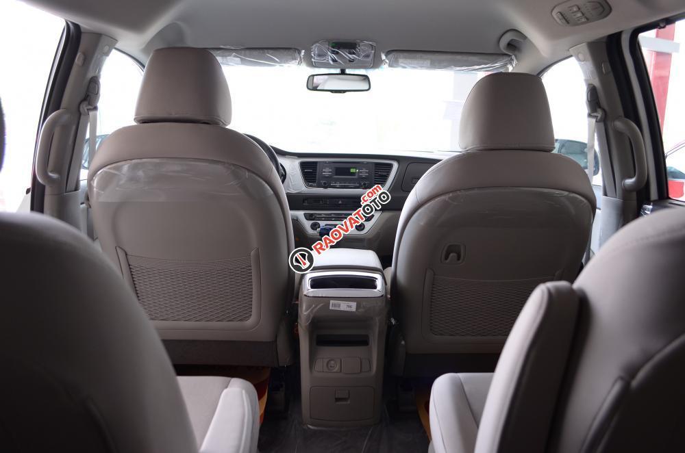 Bán xe Kia Sedona đời 2018, màu trắng Nha Trang-17