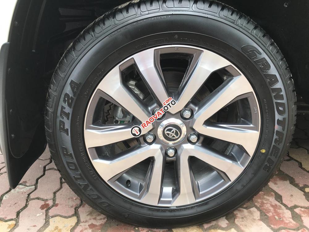 Cần bán Toyota Land Cruiser V8.4.6 bản VXR sản xuất 2018, màu trắng, nhập khẩu nguyên chiếc-15