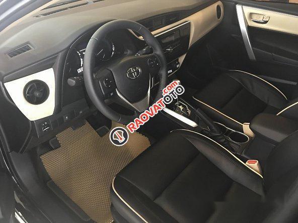 Bán Toyota Corolla Altis năm 2017, màu đen, giá tốt-4