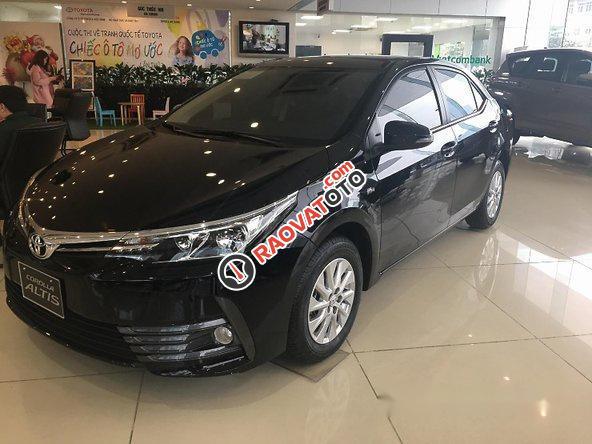 Bán Toyota Corolla Altis năm 2017, màu đen, giá tốt-0