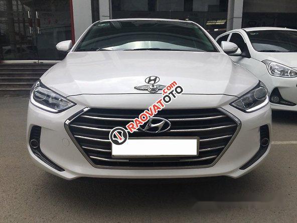 Bán Hyundai Elantra 1.6AT 2016, màu trắng như mới, giá tốt-5