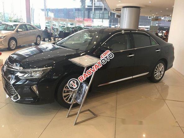 Bán Toyota Camry sản xuất 2017, màu đen-3