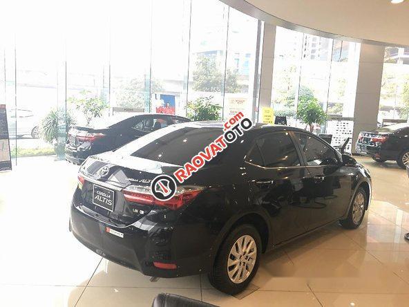 Bán Toyota Corolla Altis năm 2017, màu đen, giá tốt-1