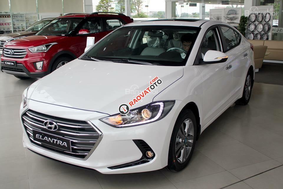 (Hyundai Trường Chinh) cần bán Hyundai Elantra 2017, màu trắng, nhiều màu giao ngay, Lh: 097.88.77.754 giá tốt-3