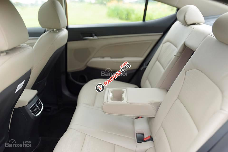 (Hyundai Trường Chinh) cần bán Hyundai Elantra 2017, màu trắng, nhiều màu giao ngay, Lh: 097.88.77.754 giá tốt-7