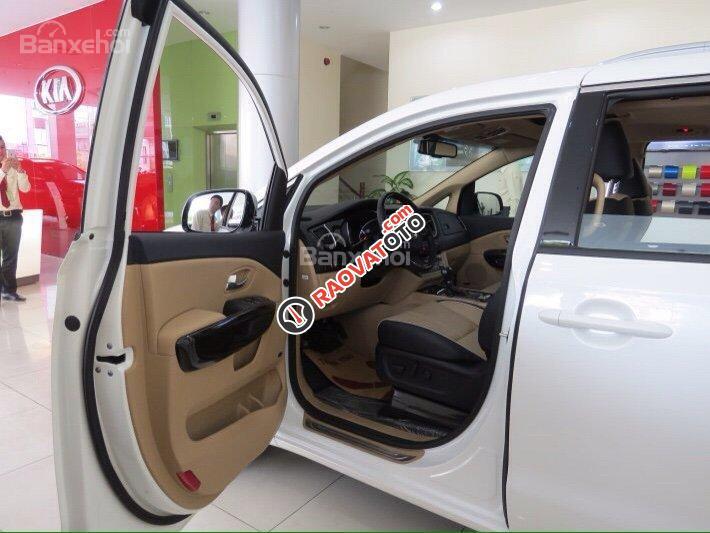 Bán xe Kia Sedona - hỗ trợ trả góp 80%, có xe giao ngay-7