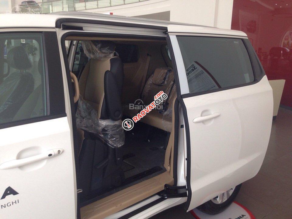 Bán xe Kia Sedona - hỗ trợ trả góp 80%, có xe giao ngay-4
