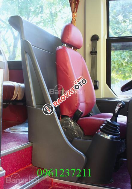 Bán Universe Haeco 47 ghế ngồi, bầu hơi cao cấp, máy điện 380PS - ĐT: 0961237211-3