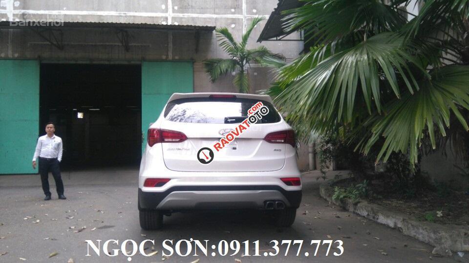 Bán ô tô Hyundai Santa Fe giảm sốc, màu trắng, trả góp 90% xe, liên hệ Ngọc Sơn: 0911.377.773-4