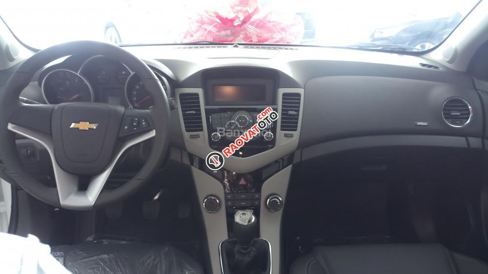 Bán Chevrolet Cruze LT 2018 ưu đãi đặc biệt khách hàng Gia Lai, alo trực tiếp để nhận giá rẻ, ngân hàng hỗ trợ 90%-3