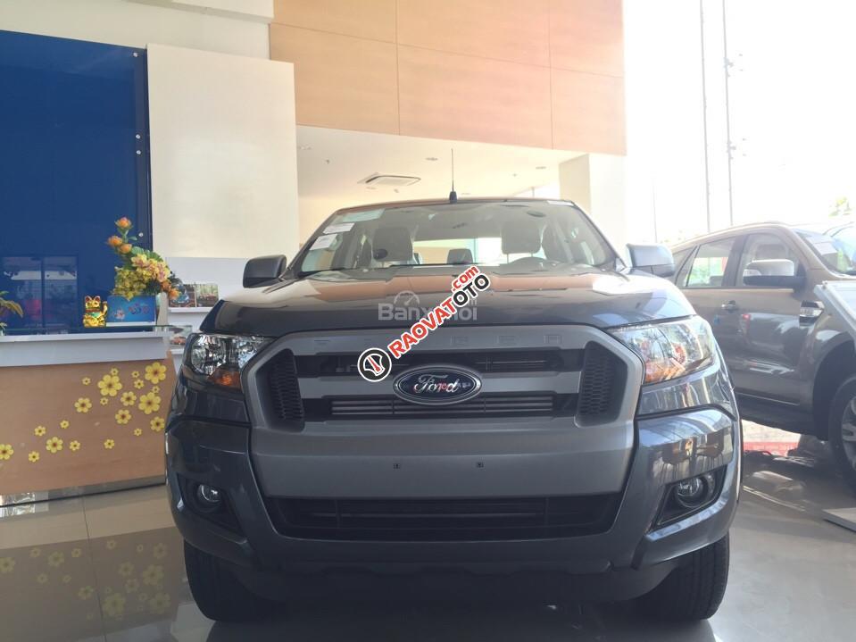 Bán xe Ford Ranger XLS MT, giá tốt nhất miền Nam-1