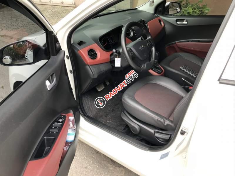 Cần bán xe Hyundai Grand i10 năm 2017, màu trắng, odo 23,200km-3