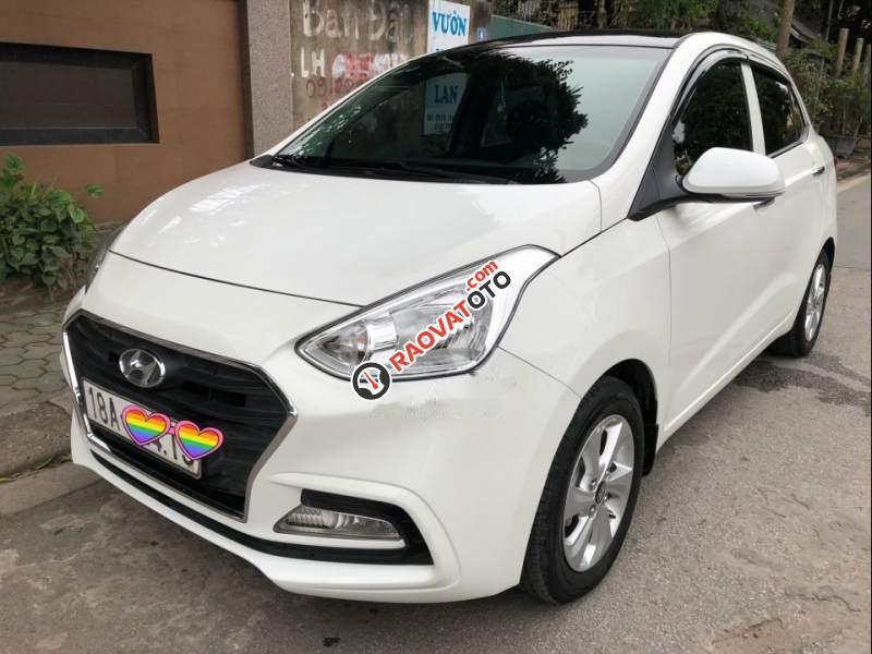 Cần bán xe Hyundai Grand i10 năm 2017, màu trắng, odo 23,200km-1