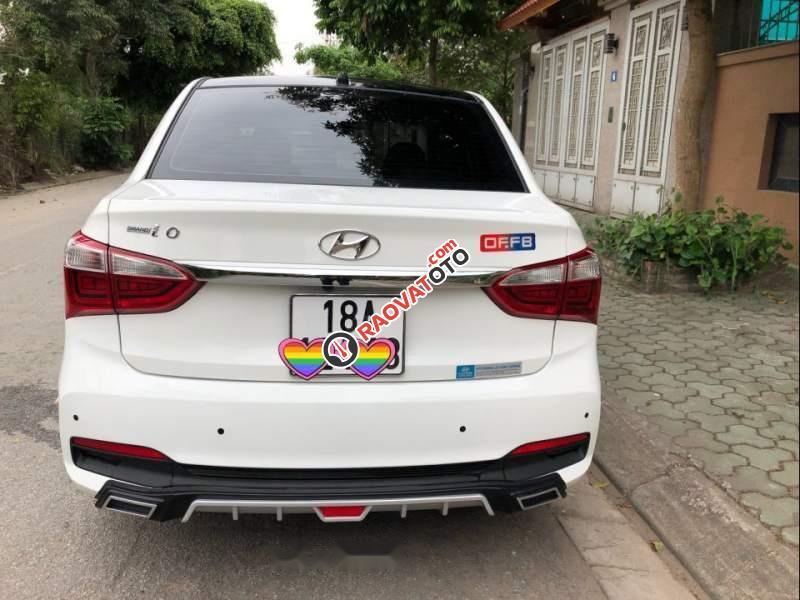 Cần bán xe Hyundai Grand i10 năm 2017, màu trắng, odo 23,200km-2