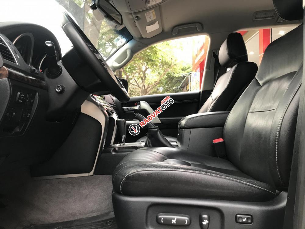 Bán Toyota Land Cruiser đời 2015, màu đen, nhập khẩu-4