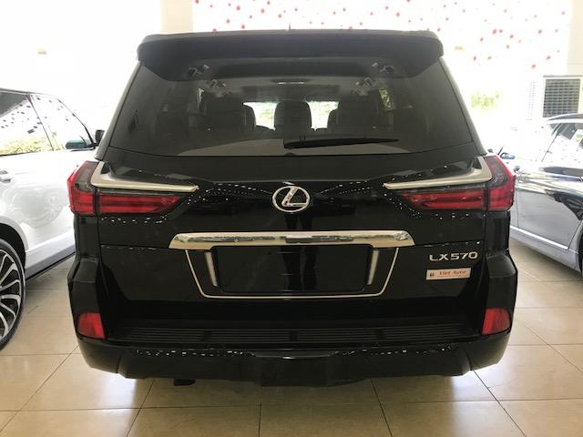 Bán xe Lexus LX 570 2020, màu đen, nhập khẩu Mỹ-2