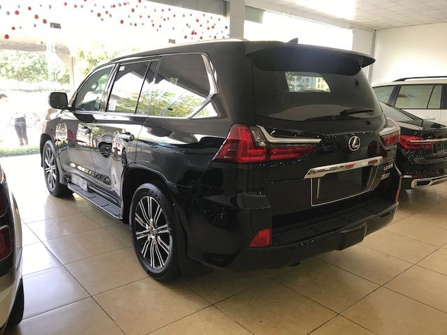 Bán xe Lexus LX 570 2020, màu đen, nhập khẩu Mỹ-3