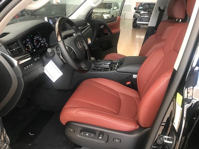 Bán xe Lexus LX 570 2020, màu đen, nhập khẩu Mỹ-5