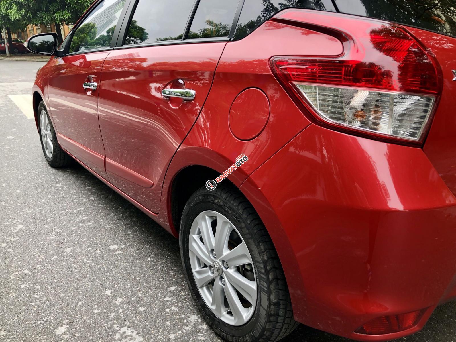 Bán xe lướt nhẹ Toyota Yaris sản xuất 2017, màu đỏ xe gia đình giá tốt 610tr-8