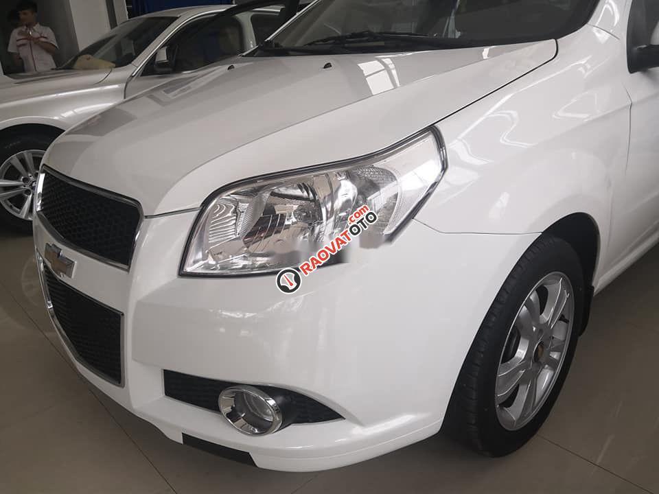 Cần bán xe Chevrolet Aveo 2018, màu trắng, nhập khẩu nguyên chiếc-2
