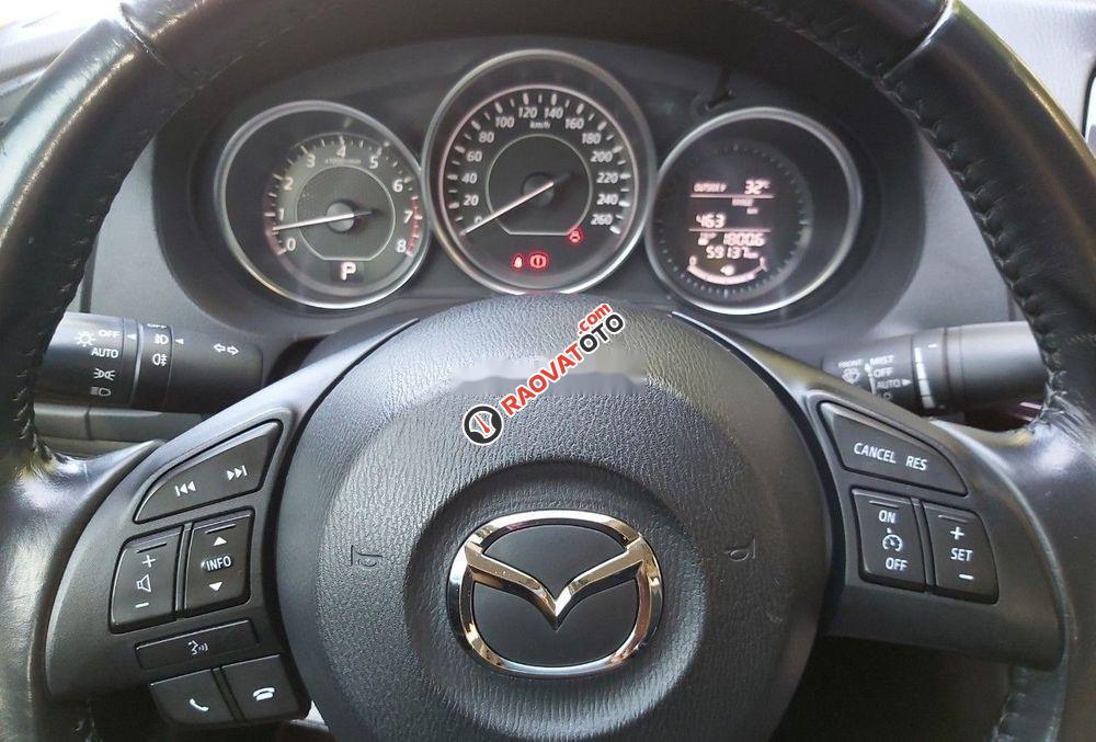 Bán xe Mazda 6 2.0 AT đời 2016, màu trắng xe gia đình-2