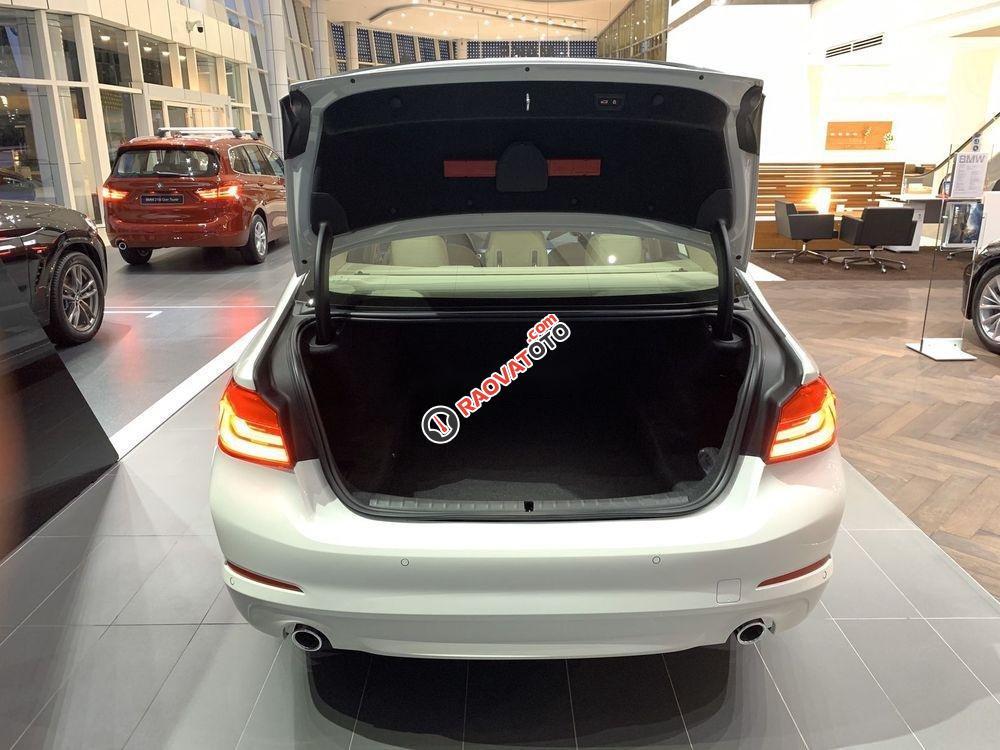 Bán BMW 520i đời 2019, màu trắng, nhập khẩu-7