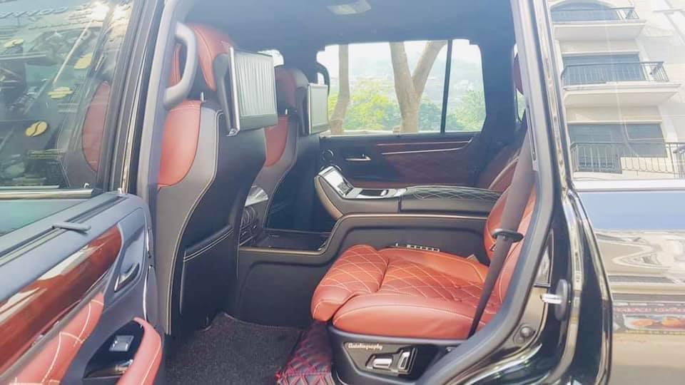 Cần bán gấp Lexus LX 570 MBS 2019, màu đen, nhập khẩu-7